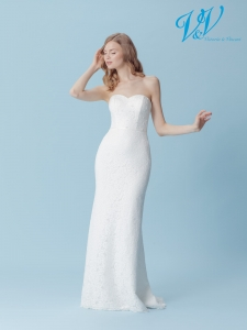 An A-Line wedding dress with a sweetheart neckline.
