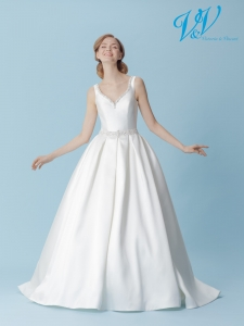An A-Line wedding dress with a V-neckline and an open back. Very high quality mikado.