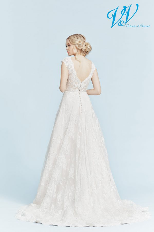 A romantic A-Line wedding dress with a V-neckline. Perfect for a church wedding.