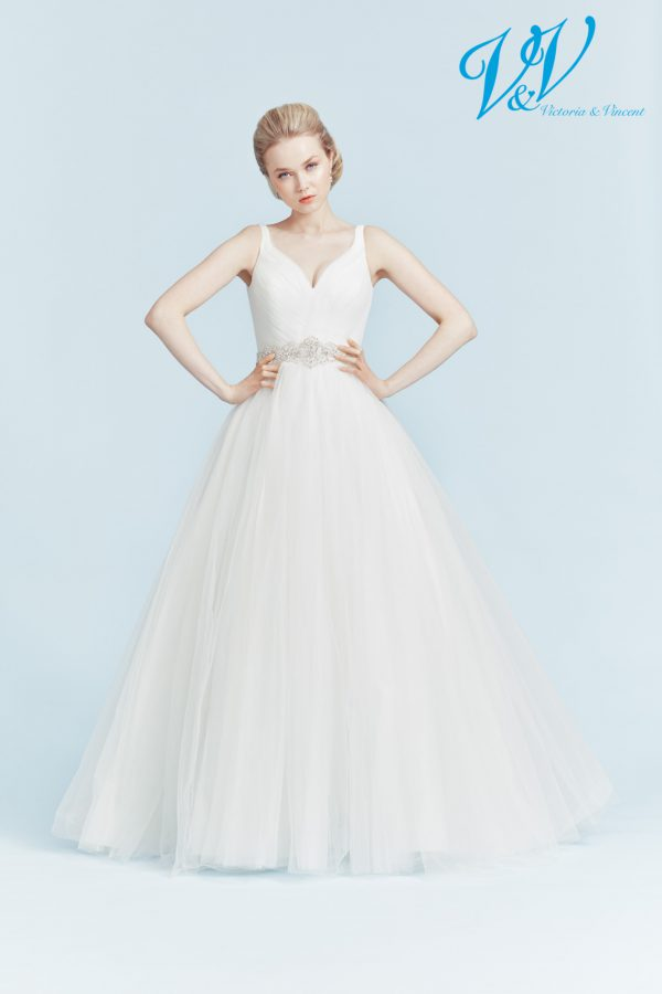 Backless wedding dress with high quality tulle skirt.