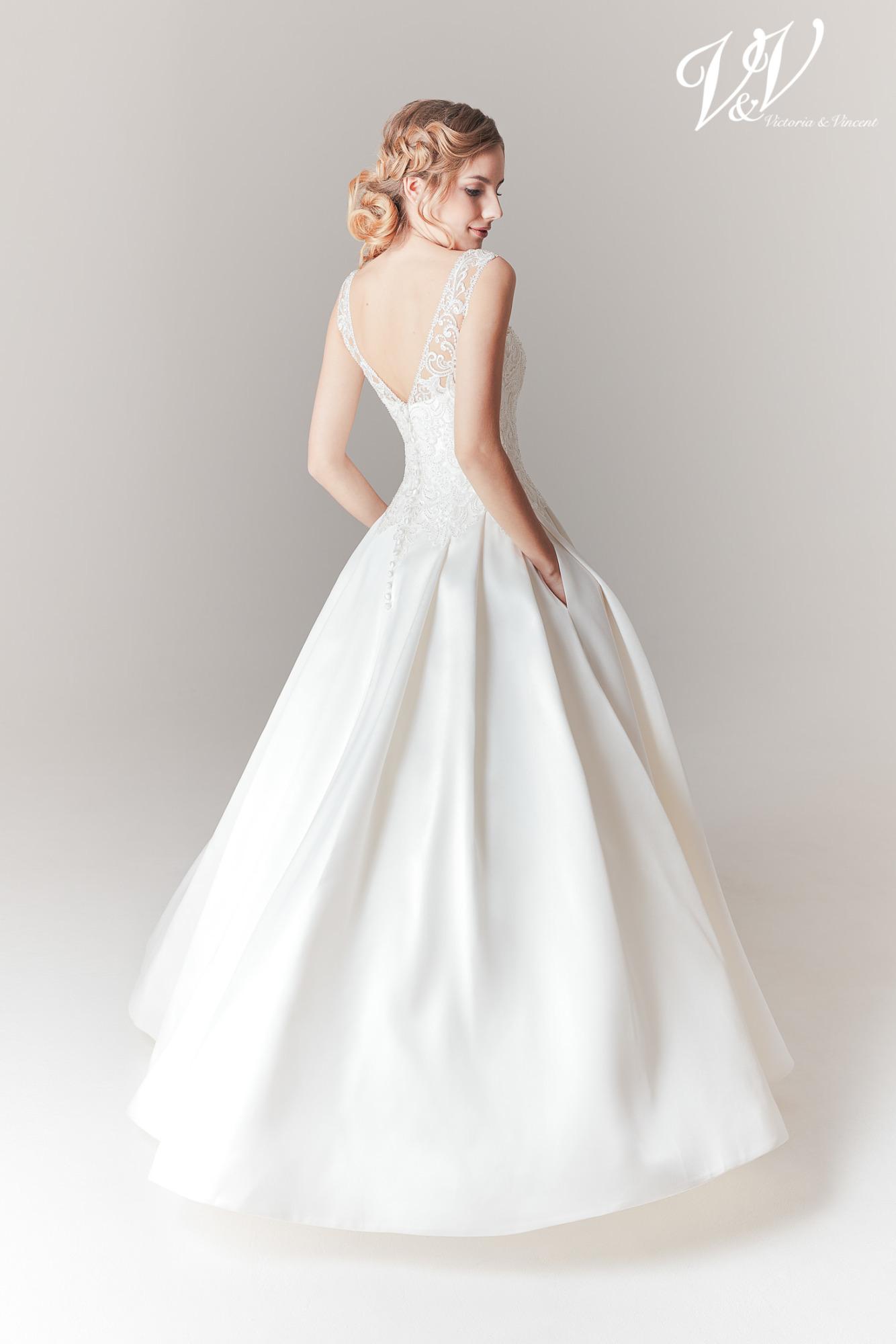 Premium quality wedding dress-Victoria & Vincent